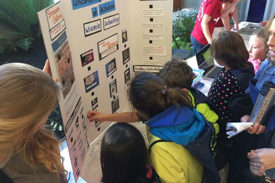 Students learn about Community formation